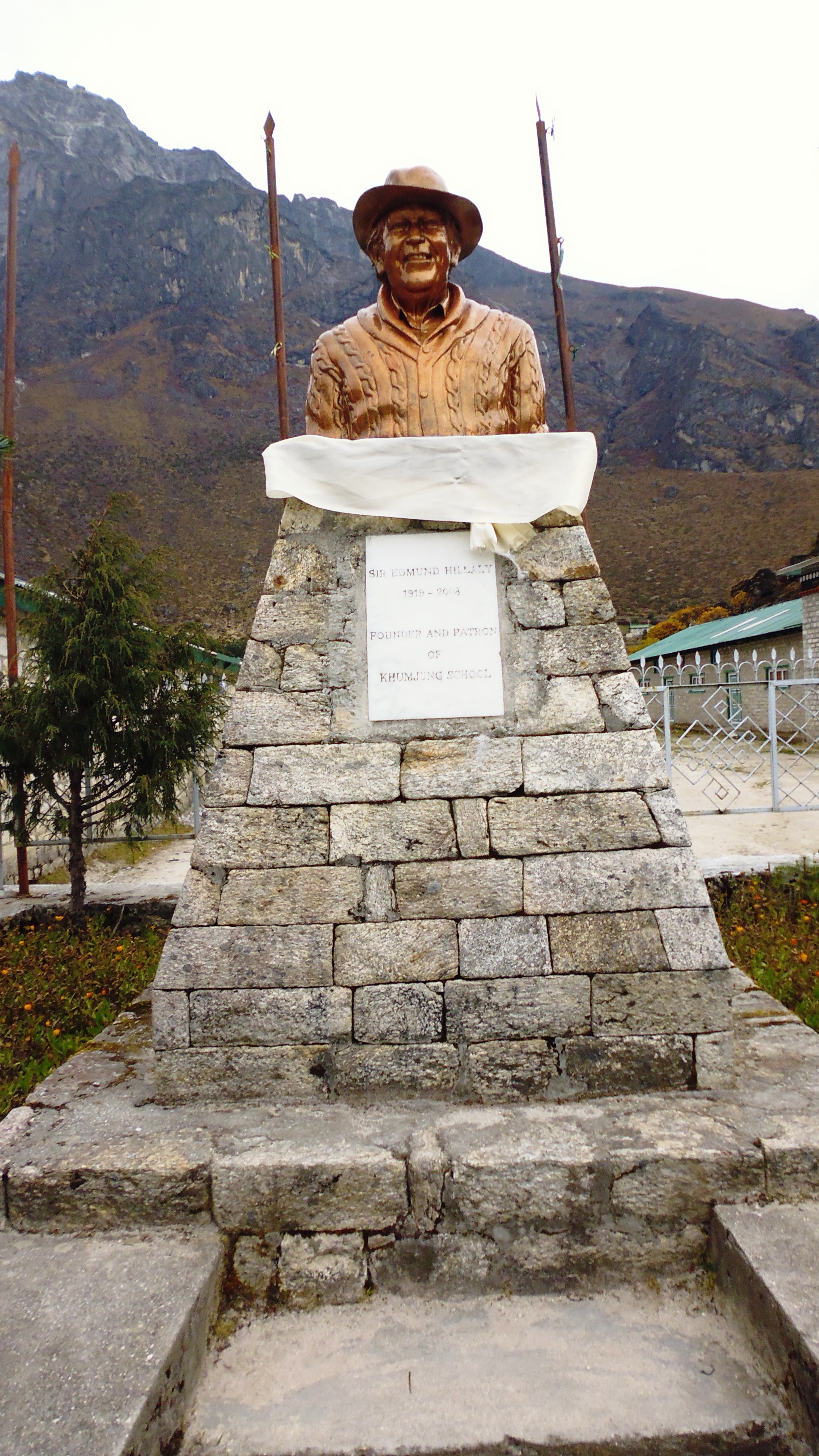 Sir Edmund Hillary Statue