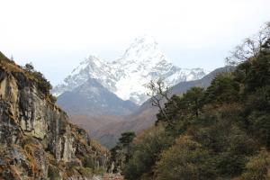 Mountain & Valley near Khumjung